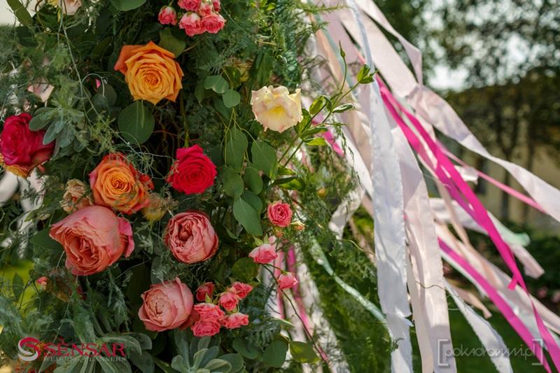 Ślub w stylu boho to przede wszystkim romantyzm, który podkreśliłam kwiatami