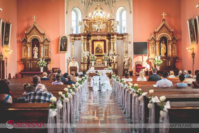 Ceremonia ślubna w kościele zorganizowana w pół roku